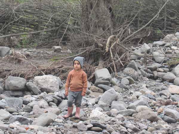 زندگی ۲۴۰۰ خانواده مازنی سیلزده زیر سقف خانههای بازسازی شده