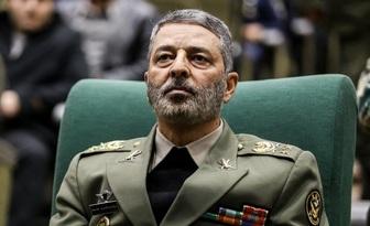 فرمانده کل ارتش: دشمن را ورای خانه زمینگیر خواهیم کرد/دریادار سیاری: ساخت زیردریاییهای سنگین را در دستور کار داریم